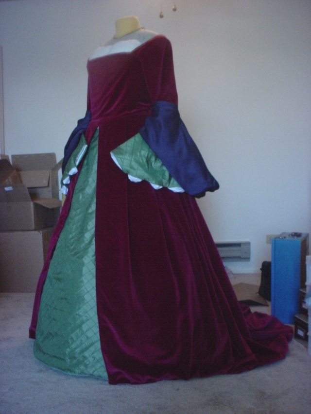 Stephanie\'s Tudor Gown - Sempstress