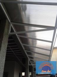 Serviço: Cobertura para varanda Policarbonato.