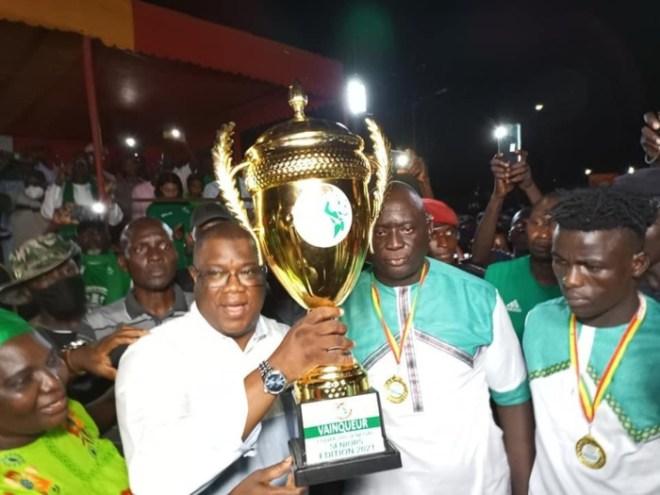 Vainqueur de la coupe du Sénégal édition 2021 : Abdoulaye Baldé récompense l'équipe du Casa Sport avec une parcelle pour chaque joueur et un terrain pour la construction du siège du comité « Allez Casa »