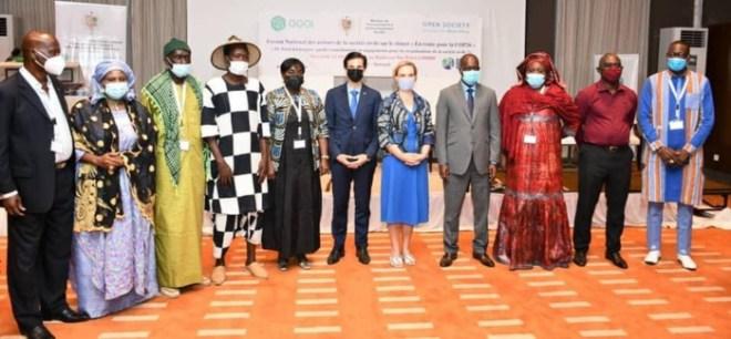 Changement climatique : La société civile se mobilise derrière le ministre de tutelle, qui fait cap sur la COP 26