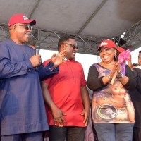 Defection tsunami hits Cross River APC, as Ita Giwa, APC BoT member, ex-envoy, others formerly join PDP