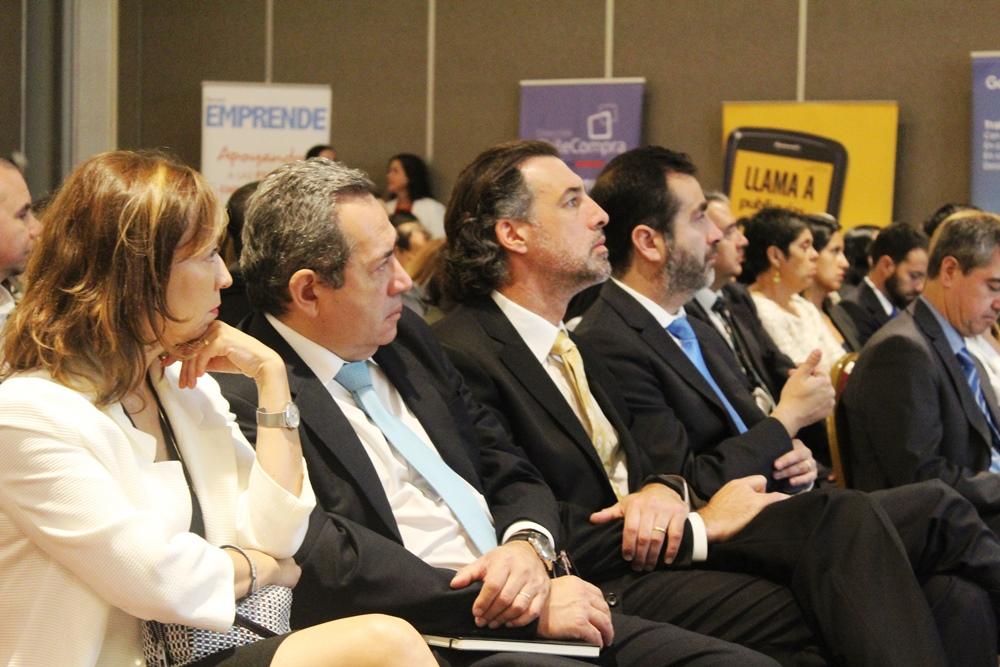 El director Nacional del Sence, Pedro Goic, firmó la participación del Servicio en la Red de Trabajo Propyme
