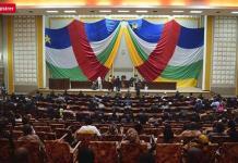 Centrafrique : un député ouvre le feu à l'Assemblée nationale. Alors que les députés centrafricains se réunissaient le 29 octobre pour élire