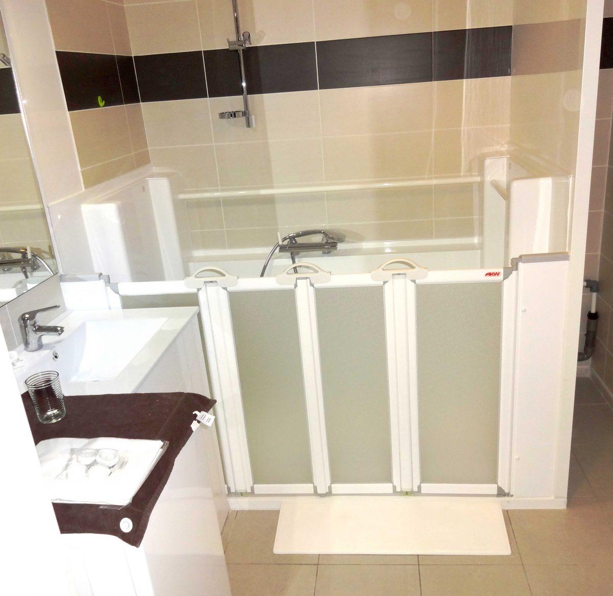 salle de bain pour handicape et senior