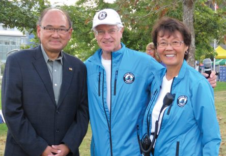 John and Joan Young with MLA, John Yap, before the start of the 2017 Forever Young 8km