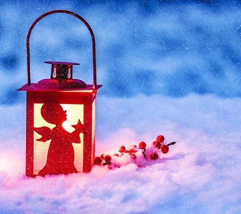 oamenii strazii iarna