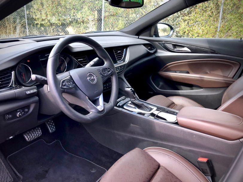 Interior - Opel Insignia Grand Sport 1.6 CDTI 136 CV