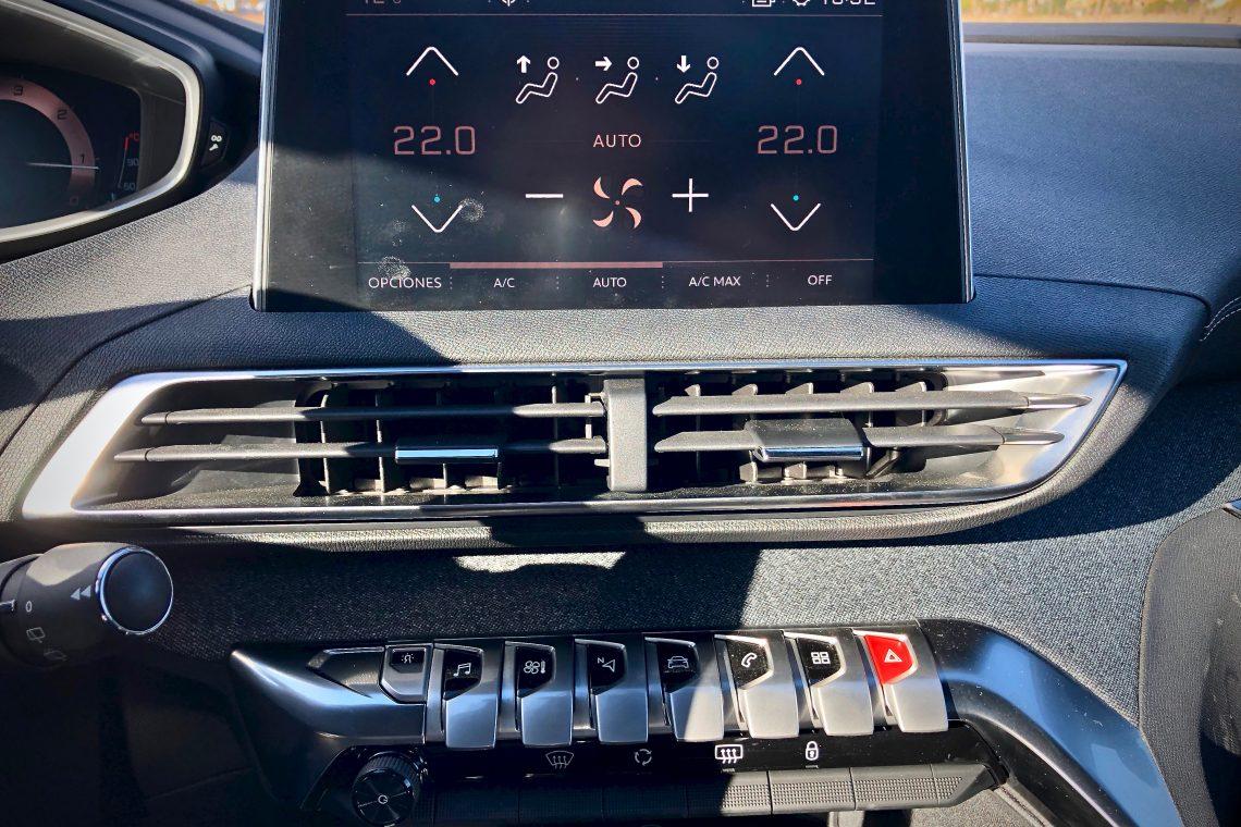 Climitazidador botones 1140x760 - Peugeot 5008 GT Line 1.5 BlueHDI 130 CV