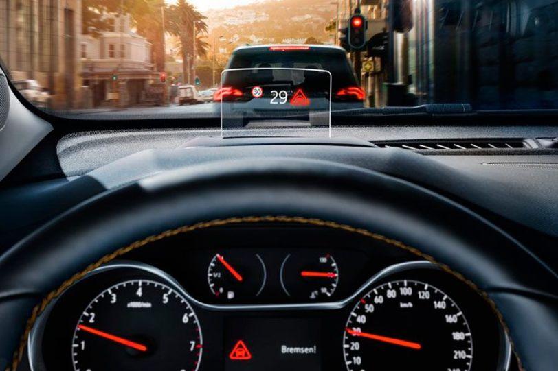 Head Up Display - Opel Crossland X Innovation 1.5 ECOTECD 102 CV