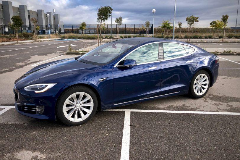 Vista lateral izquierda 2 1140x760 - Tesla Model S 100D y nuestro viaje de 1.000 km