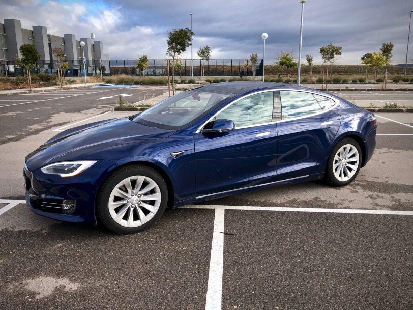 Vista lateral izquierda 2 - Tesla Model S 100D y nuestro viaje de 1.000 km
