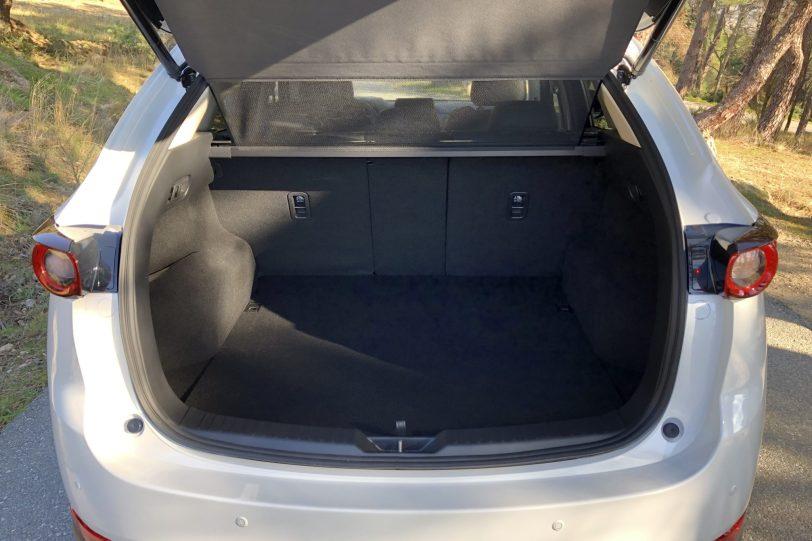 Maletero 5 plazas cortinilla CX 5 1140x760 - Mazda CX-5 2.0L SKYACTIV-G 165 CV 2WD MT Zenith Black
