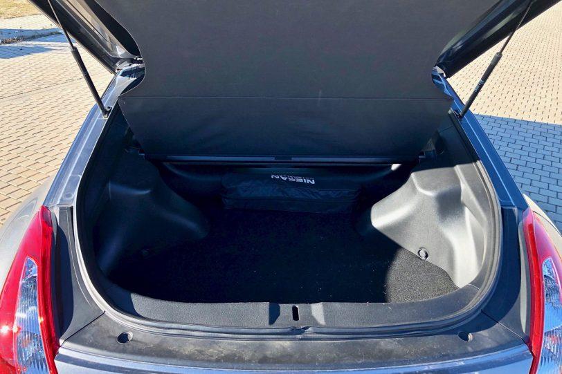 Maletero 370z 1140x760 - Nissan 370z GT roadster con 328 CV y cambio manual