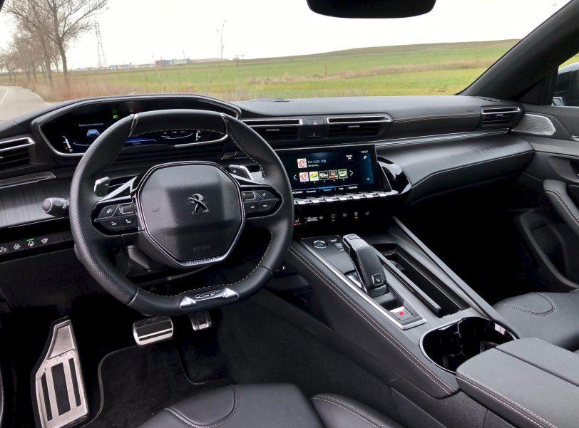 Puesto de conduccio%CC%81n Peugeot 508 GT - Peugeot 508 GT: Viene para quedarse