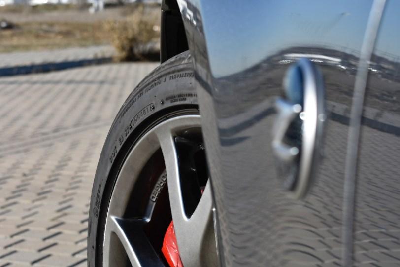 Rueda delantera 370z - Nissan 370z GT roadster con 328 CV y cambio manual