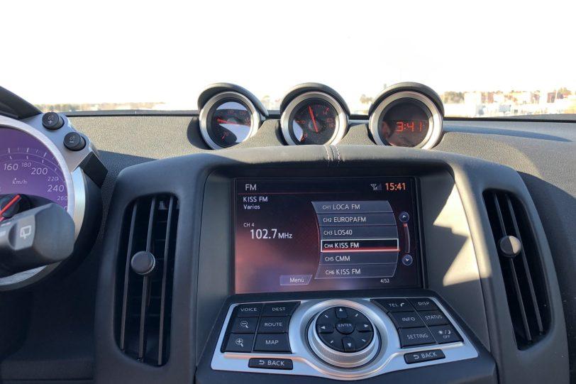 Sistema de info entretenimiento 370z 1140x760 - Nissan 370z GT roadster con 328 CV y cambio manual