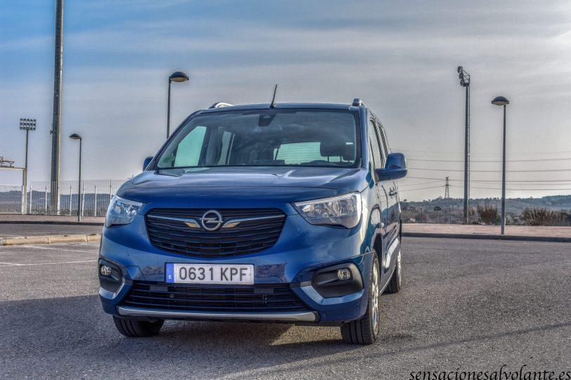 Frontal Izquierdo Opel Combo Life - Opel Combo Life: Un coche muy versátil