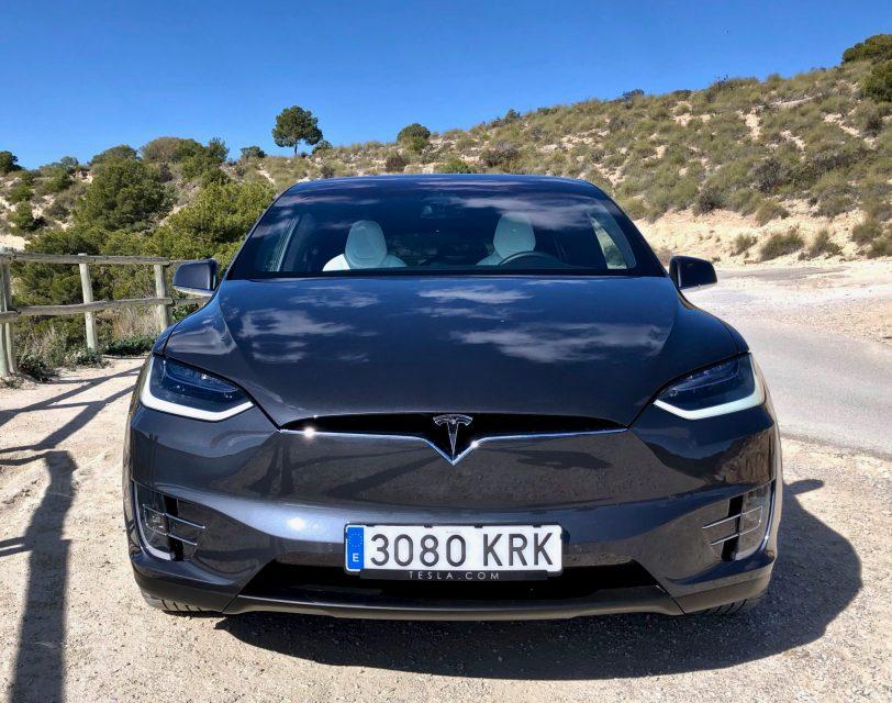 Frontal Tesla Model X 100D - Tesla model X 100D: No es cualquier SUV