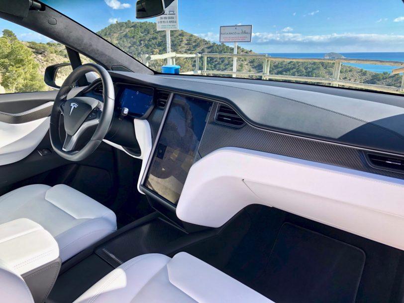 Interior derecho salpicadero Tesla Model X 100D - Tesla model X 100D: No es cualquier SUV