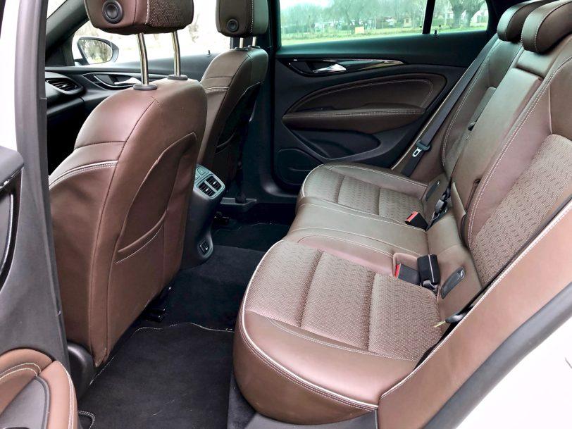 Plazas traseras Insignia CT 1260x945 - Opel Insignia Country Tourer 2.0 Turbo 260 CV