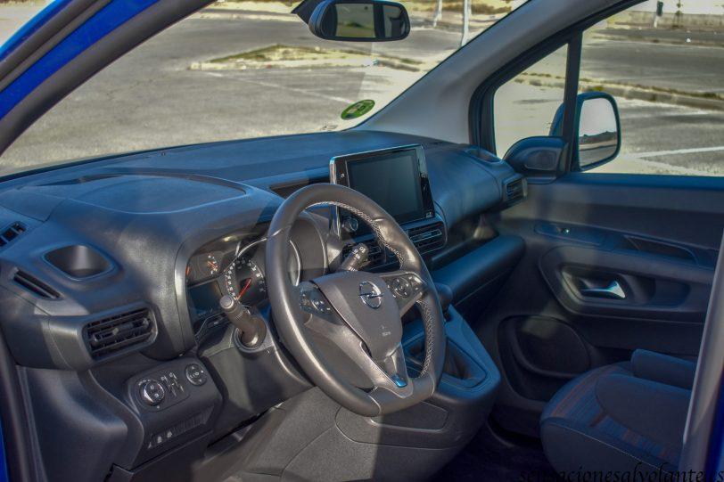 Salpicadero vista lateral izquierda Opel Combo Life - Opel Combo Life: Un coche muy versátil