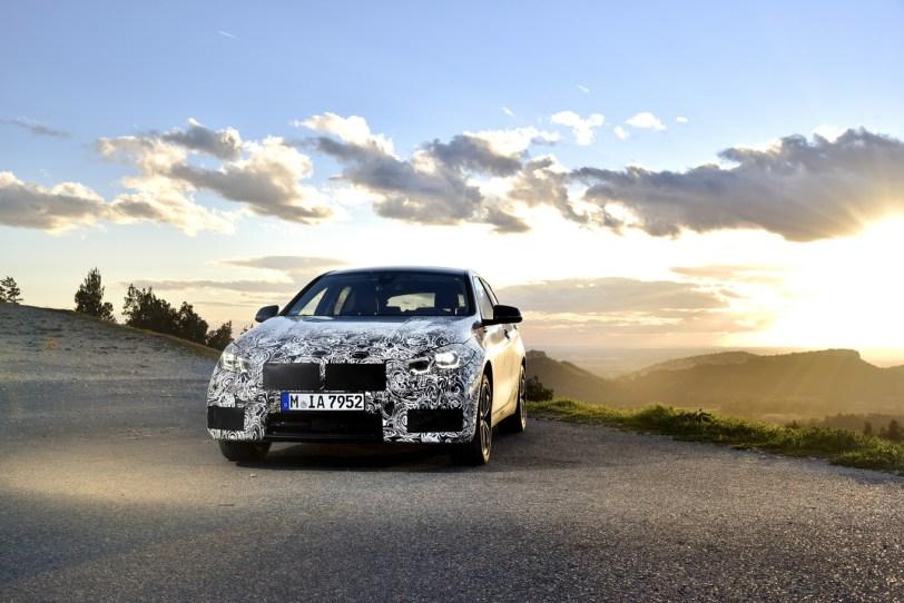 Frontal BMW Serie 1 - El nuevo BMW serie 1 se deja ver camuflado