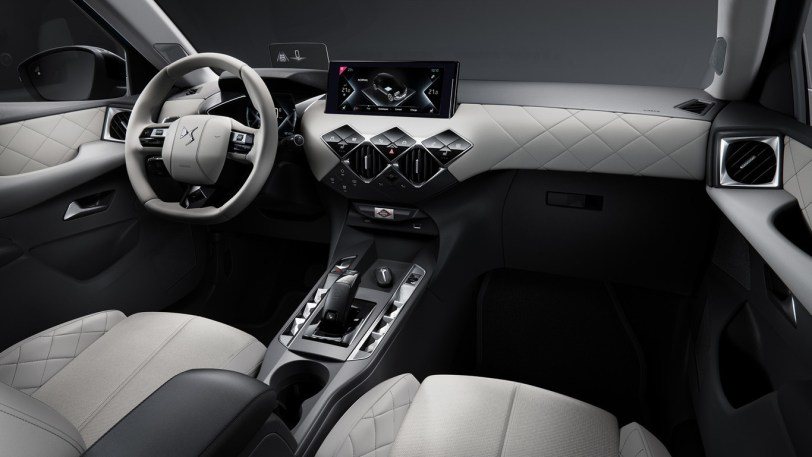 Interior DS 3 - El nuevo DS 3 Crossback E-tense (eléctrico) por fín tiene precio en Francia: 39.100 euros