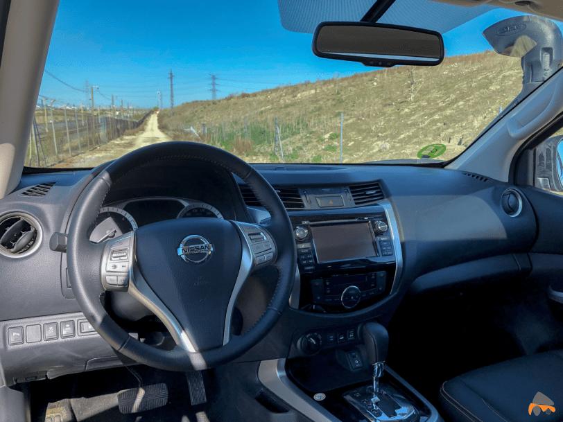 Salpicadero Nissan Navara - El Nissan Navara Off Roader AT32 es un auténtico todoterreno