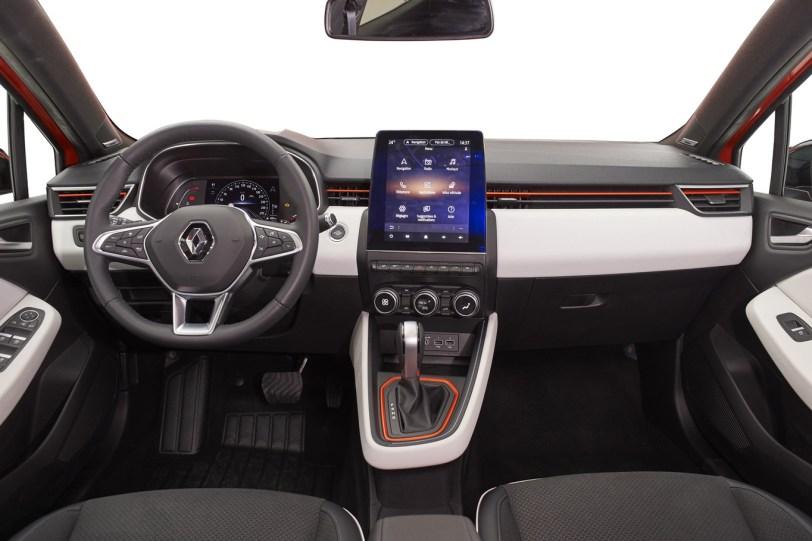 Salpicadero de frente Renault Clio 2019 1260x840 - Renault Clio 2019: un nuevo diseño, más calidad y tecnología, y ahora también con opción híbrida