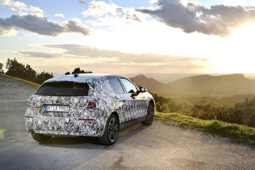 Trasera Derecha BMW Serie 1 - El nuevo BMW serie 1 se deja ver camuflado