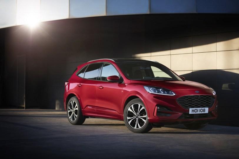 2560 3000 1 1260x840 - El Ford Kuga se renueva como SUV híbrido, híbrido enchufable, mild hybrid, además de gasolina y diésel