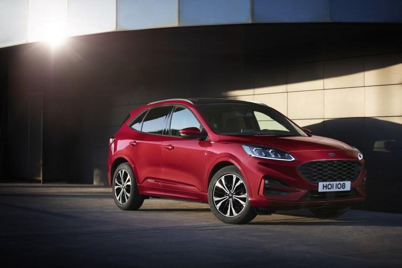 2560 3000 1 - El Ford Kuga se renueva como SUV híbrido, híbrido enchufable, mild hybrid, además de gasolina y diésel