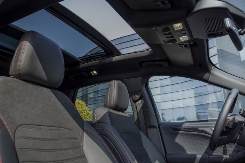 2560 300018 1260x840 - El Ford Kuga se renueva como SUV híbrido, híbrido enchufable, mild hybrid, además de gasolina y diésel