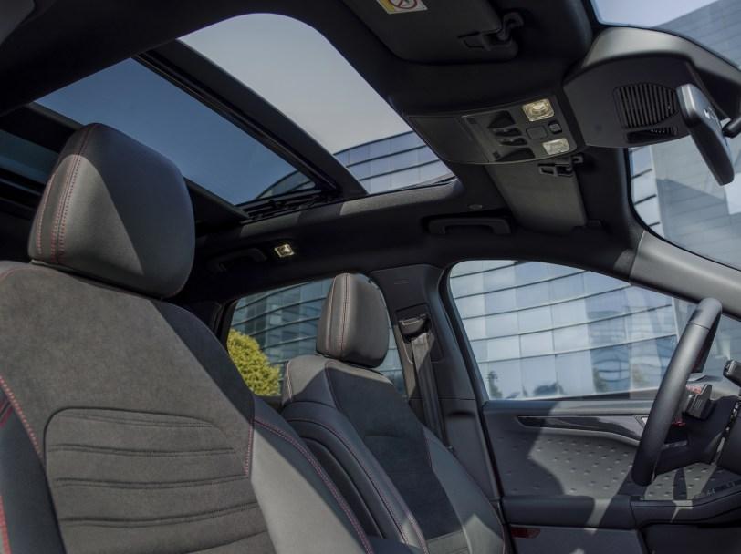 2560 300018 - El Ford Kuga se renueva como SUV híbrido, híbrido enchufable, mild hybrid, además de gasolina y diésel