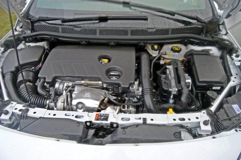 Motor Opel Astra GSI Line - Opel Astra 1.6 Turbo GSI Line