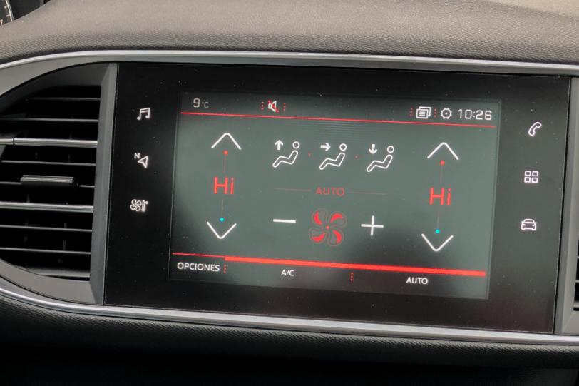 Pantalla multimedia Peugeot 308 GT 1260x840 - Peugeot 308 GT: El deportivo francés