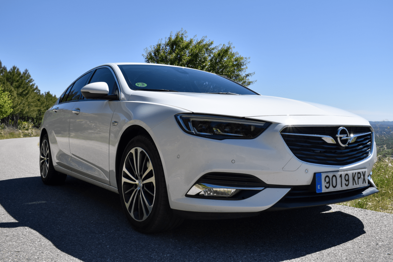 Frontal Lateral Derecho Opel Insignia Grand Sport