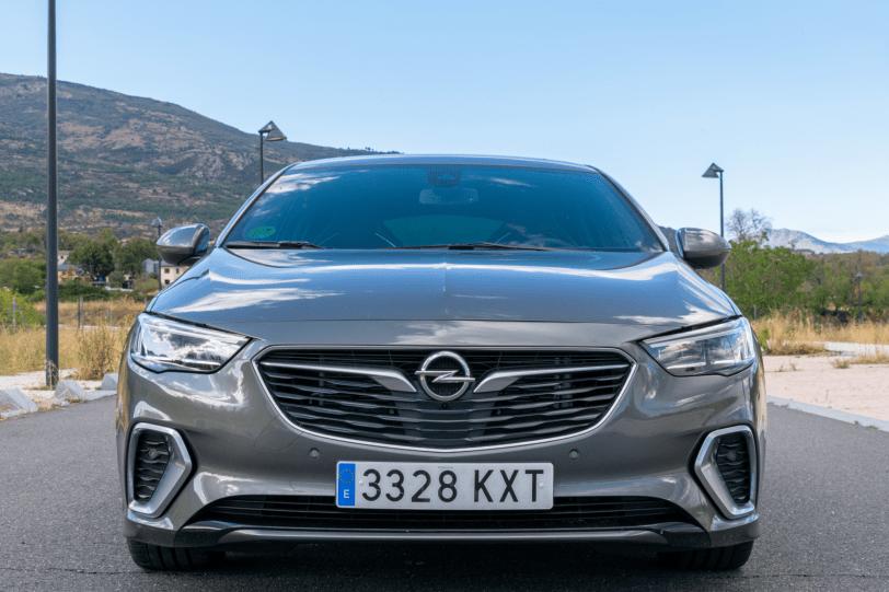Frontal Opel Insignia GSi 1260x840 - Opel Insignia Grand Sport GSi: ¿Una berlina diésel y deportiva?