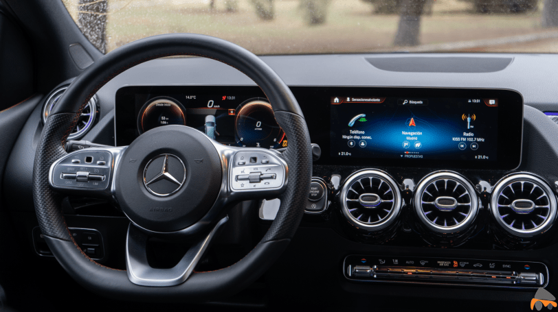 Puesto de conduccion Mercedes Benz Clase B - Mercedes Clase B 200d AMG Line: Un monovolumen con toques deportivos que te va a gustar