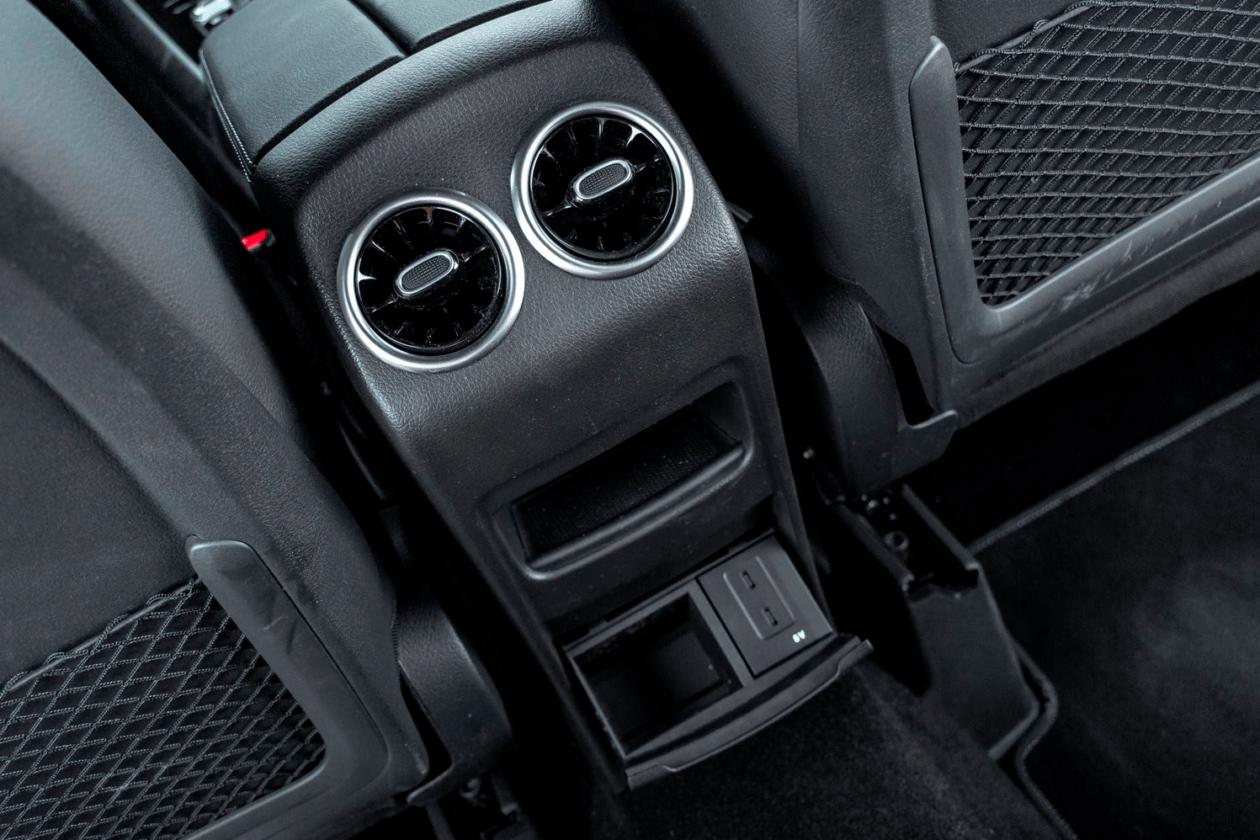 Salidas traseras de aire Mercedes Benz Clase B 1260x840 - Mercedes Clase B 200d AMG Line: Un monovolumen con toques deportivos que te va a gustar