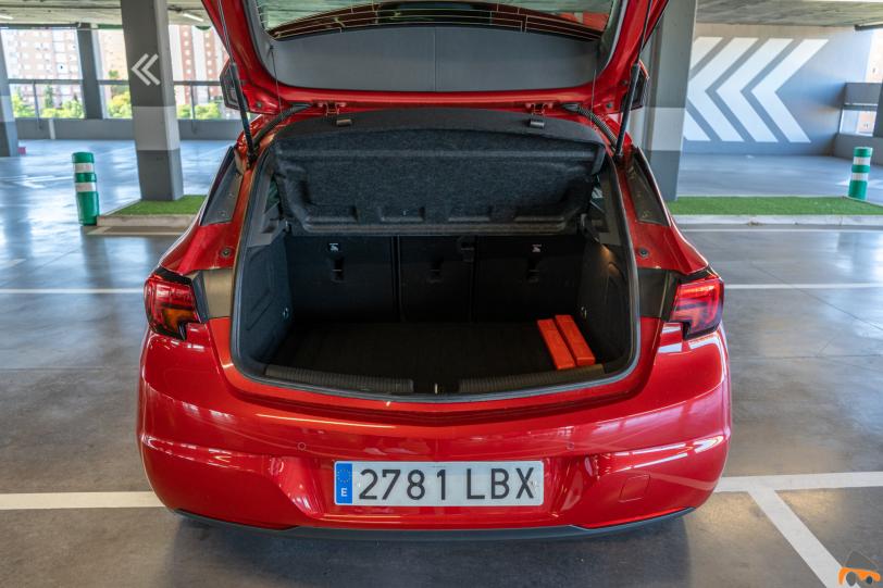 Maletero Opel Astra 2020 145 CV 1260x840 - Opel Astra 2020 1.2 Turbo con 145 CV: Una renovación leve, pero muy necesaria
