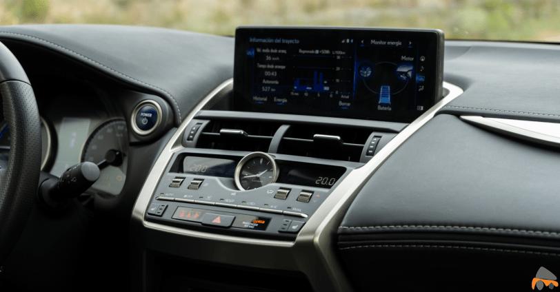 Sistema multimedia Lexus NX 300h - Lexus NX 300h 4X4 F-Sport: El SUV híbrido de lujo muy llamativo