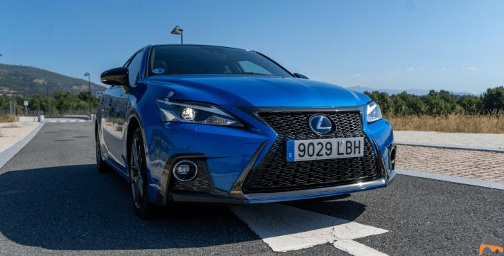 Frontal derecho Lexus CT 200h - Prueba Lexus CT 200h 2019: Un compacto híbrido de lujo