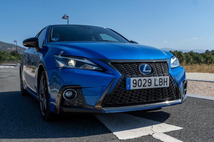 Frontal derecho Lexus CT 200h 1260x840 - Prueba Lexus CT 200h 2019: Un compacto híbrido de lujo