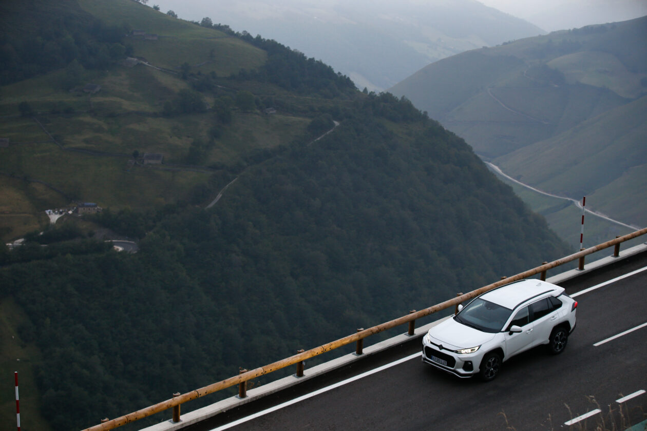 030acrss 4 1260x840 - Suzuki Across 2.5L 4×4 Plug-in-Hybrid de 306 CV: Un clon del Toyota RAV4