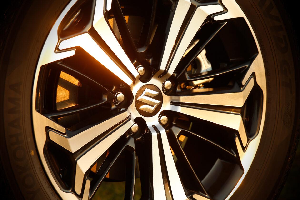 073acrss 4 1260x840 - Suzuki Across 2.5L 4×4 Plug-in-Hybrid de 306 CV: Un clon del Toyota RAV4
