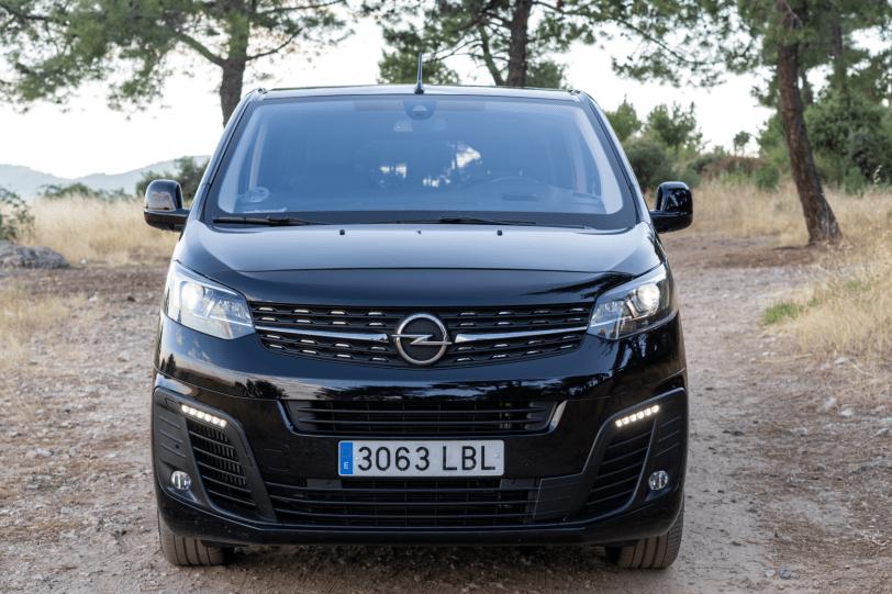 Frontal Opel Zafira Life 1260x840 - Prueba Opel Zafira Life 2020: El compañero perfecto para viajar