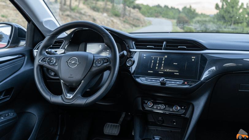 Puesto de conduccion Opel Corsa e - Prueba Opel Corsa-e 2020: El primer coche eléctrico de Opel tiene 136 CV y 280 km reales de autonomía