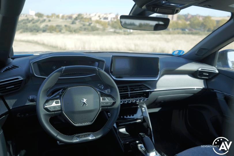 Salpicadero vista trasera izquierda Peugeot e 2008 GT - Prueba Peugeot e-2008 GT 2020: ¿Un Peugeot 208 con esteroides?