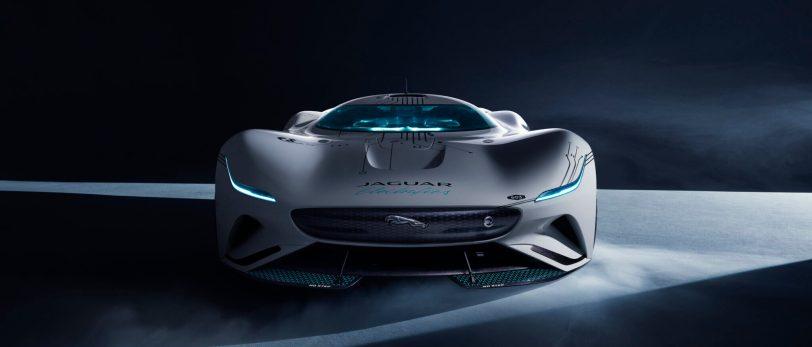 Jag GTSV Head on 1 161220 scaled e1608135255597 - Jaguar Vision Gran Turismo SV: Un coche para la videoconsola